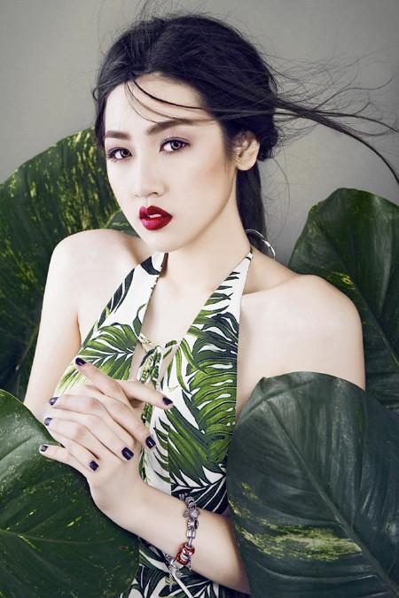 Xao lòng ngắm nhìn Á hậu Tú Anh xinh đẹp như búp bê ảnh 7