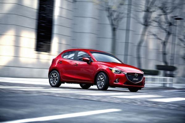 Hatchback cỡ nhỏ Mazda2 2015 lộ thông số kĩ thuật chi tiết ảnh 1