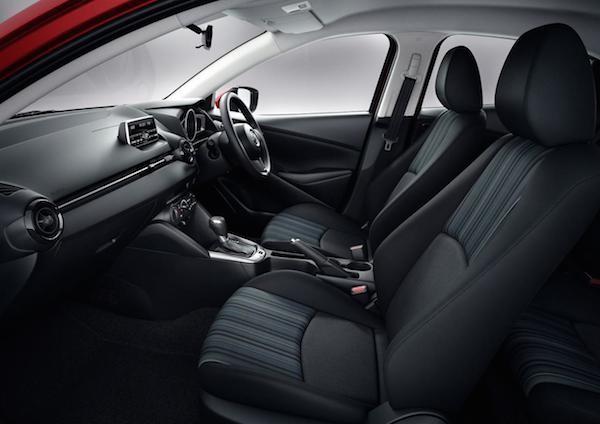 Hatchback cỡ nhỏ Mazda2 2015 lộ thông số kĩ thuật chi tiết ảnh 2