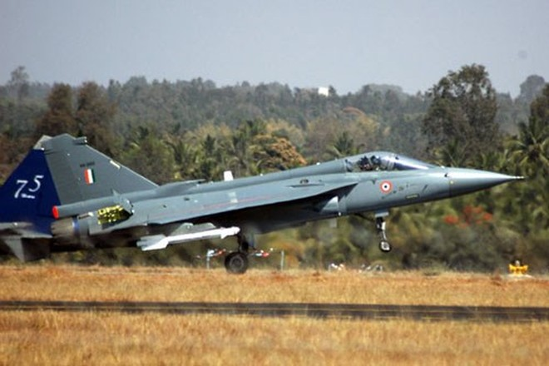 """Kế hoạch trang bị máy bay số lượng """"khủng"""" của không quân Ấn Độ ảnh 1"""