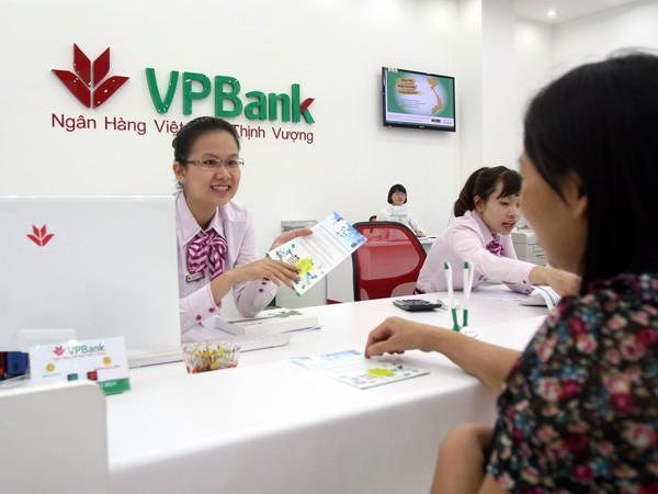Mở thẻ tại VPBank có cơ hội sở hữu Macbook Air, iPhone... ảnh 1