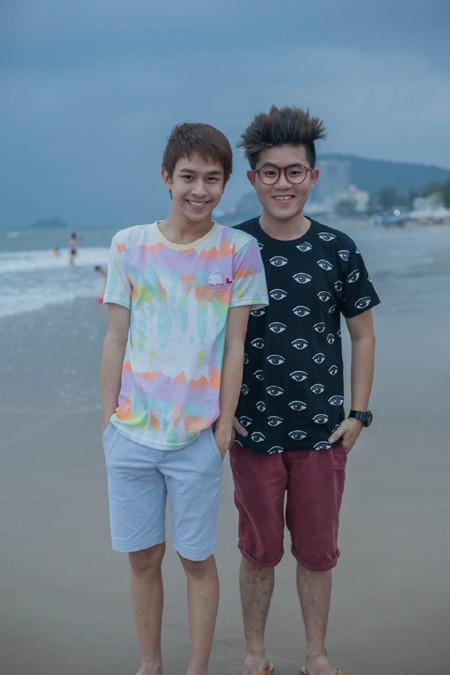 """Chí Thành X Factor """"hộ tống"""" hot boy Thái Lan khám phá thành phố biển ảnh 5"""