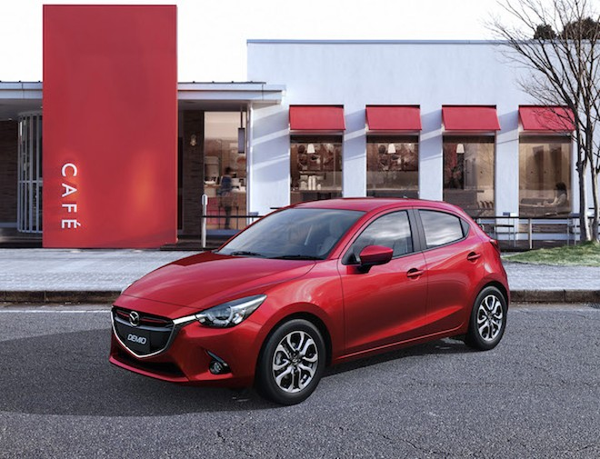 """Mazda2 giành giải """"Xe hơi của năm 2014-2015"""" tại Nhật Bản ảnh 1"""