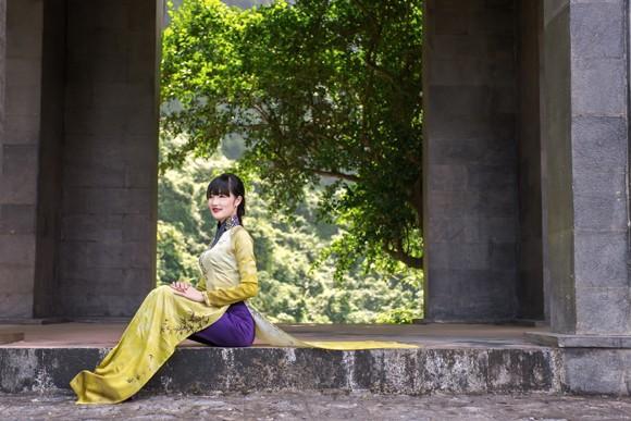 Hoa hậu Triệu Thị Hà mộc mạc khoe sắc tại Tràng An ảnh 3
