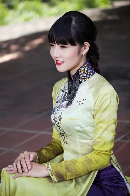 Hoa hậu Triệu Thị Hà mộc mạc khoe sắc tại Tràng An ảnh 5