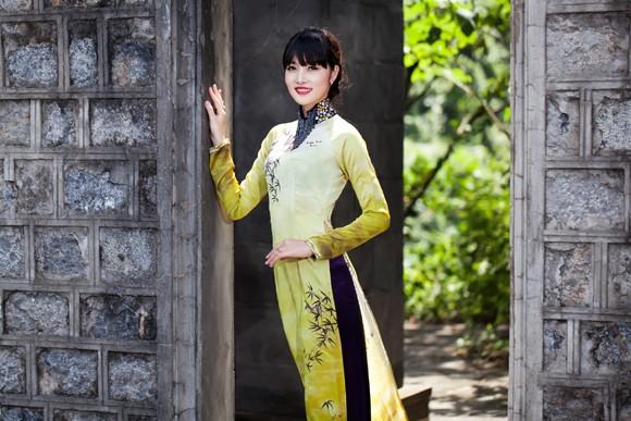 Hoa hậu Triệu Thị Hà mộc mạc khoe sắc tại Tràng An ảnh 6