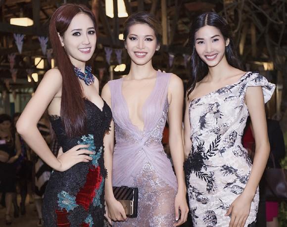 Hoa hậu Mai Phương Thúy hội ngộ siêu mẫu Hoàng Thùy và Minh Tú tại lãnh sự quán Anh ảnh 8