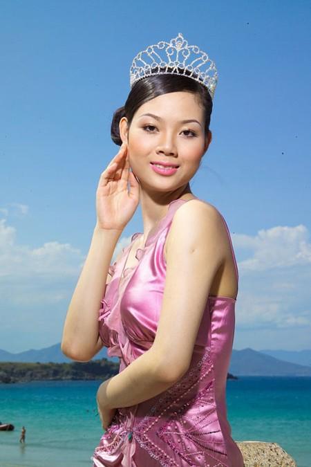 Nhan sắc Việt ngại đi thi thế giới ảnh 2
