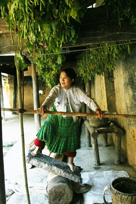 Kỹ thuật làm đay dệt vải của người Mông