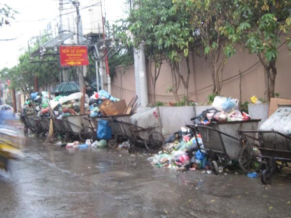 Khổ vì ô nhiễm rác ảnh 1