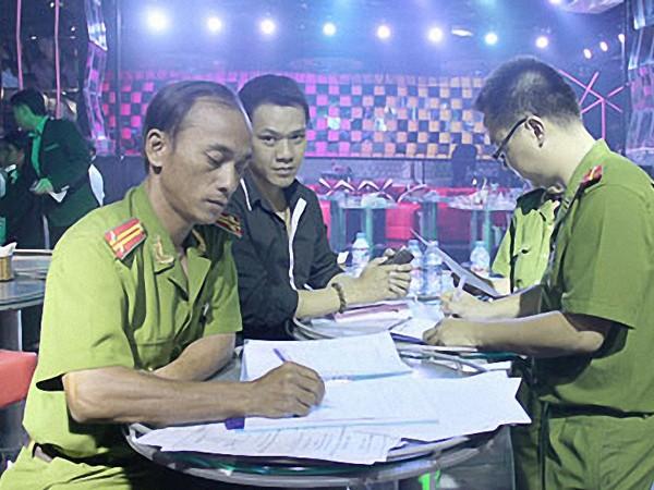 Hà Nội: Tổng kiểm tra nhà hàng karaoke, vũ trường ảnh 1
