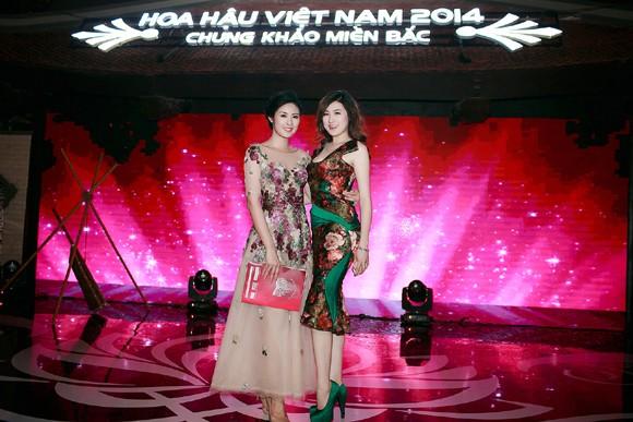Ngọc Hân đọ sắc với Tú Anh trong đêm chung khảo miền Bắc Hoa hậu Việt Nam ảnh 8
