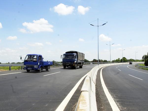 Sai sót nghiêm trọng tại cao tốc TP. HCM - Trung Lương ảnh 1
