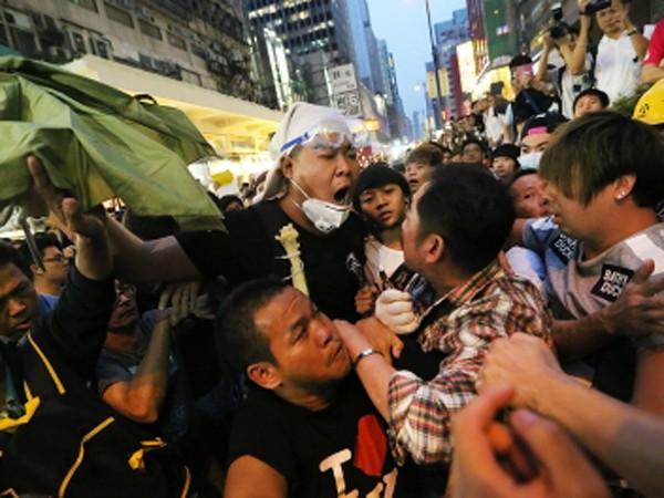 8 người biểu tình Hồng Kông bị bắt ảnh 1