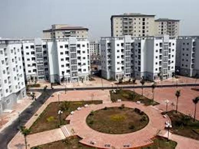 Luật Nhà ở có nhiều quy định ưu tiên cho người nghèo được thuê, mua nhà xã hội