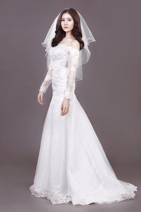 Người đẹp Làng Sen Hoàng Hạnh diện váy cưới lộng lẫy khoe vai trần gợi cảm ảnh 5