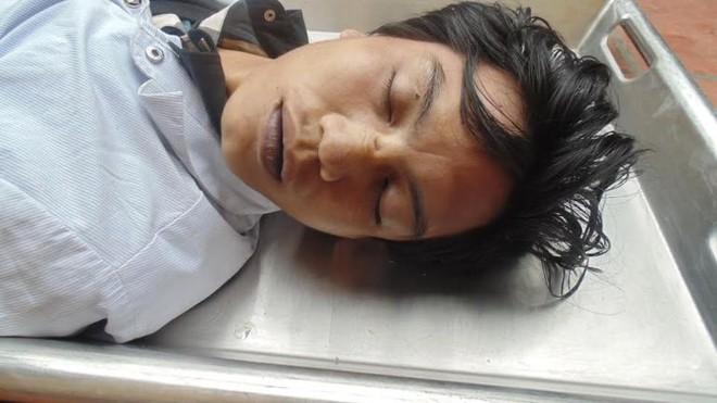 Tìm tung tích nạn nhân chết trong nhà vệ sinh công cộng ga Long Biên ảnh 1