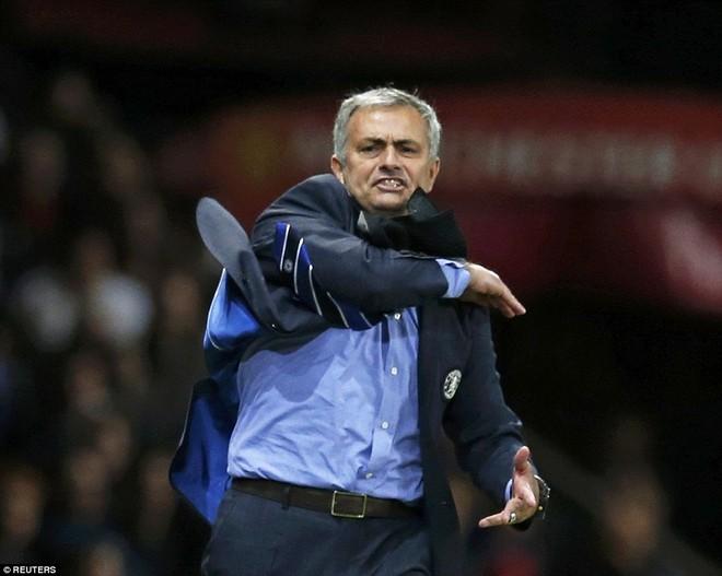 Chelsea đánh rơi chiến thắng vào phút chót trước M.U ảnh 6