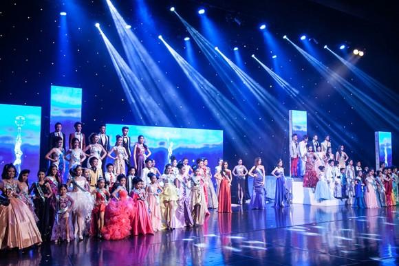 Stylist Trịnh Tú Trung làm giám khảo cuộc thi nhan sắc lớn tại Thái Lan ảnh 4