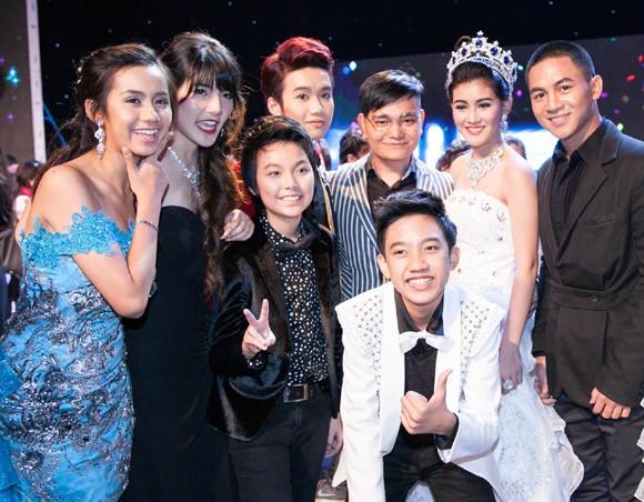 Stylist Trịnh Tú Trung làm giám khảo cuộc thi nhan sắc lớn tại Thái Lan ảnh 8