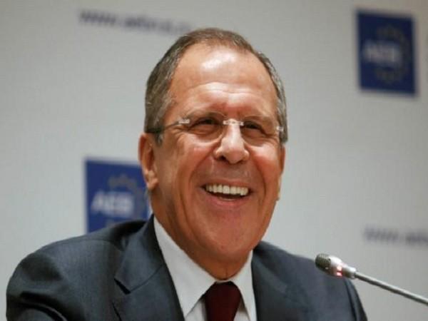 Ngoại trưởng Nga Sergei Lavrov tại cuộc họp với các doanh nhân và thành viên của Hiệp hội doanh nghiệp châu Âu (AEB) tại Moscow.
