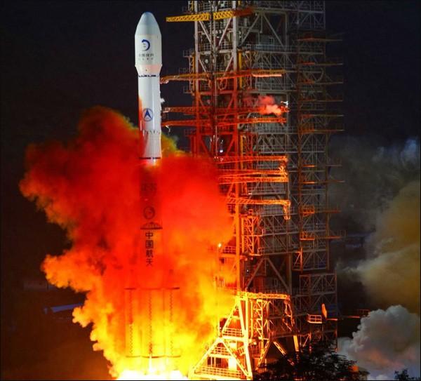 """Vụ phóng tàu thăm dò """"Hằng Nga 3"""" của Trung Quốc"""