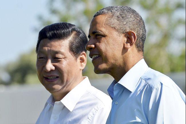Chủ tịch Trung Quốc Tập Cận Bình (trái) và Tổng thống Mỹ Obama (phải)