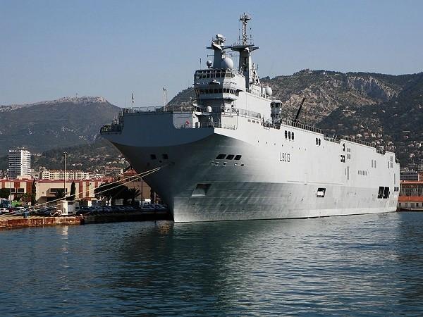 Tàu đổ bộ tấn công lớp Mistral của Pháp