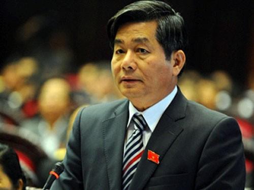 Bộ trưởng duy nhất đăng đàn ngày 1/11, Bộ trưởng KH-ĐT Bùi Quang Vinh, một lần nữa lại có bài phát biểu đầy tâm huyết trước QH.