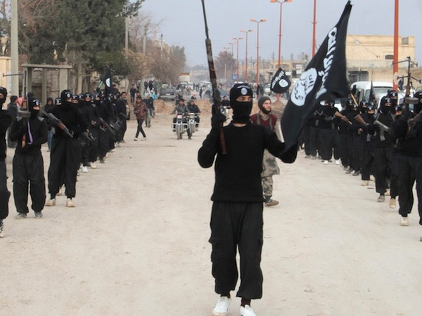 Không kích của Mỹ không ngăn nổi các binh sĩ nước ngoài gia nhập IS ảnh 1