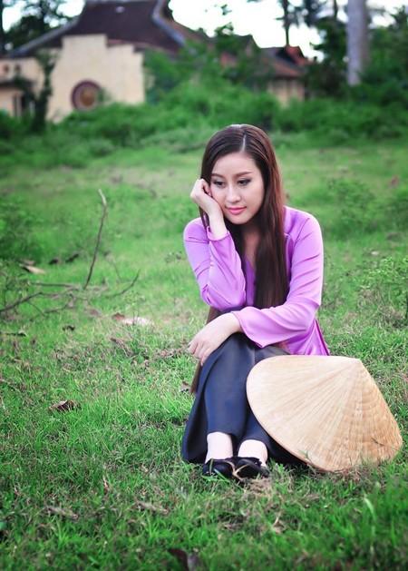 MC Kim Trang dịu dàng nón lá, áo bà ba ảnh 5