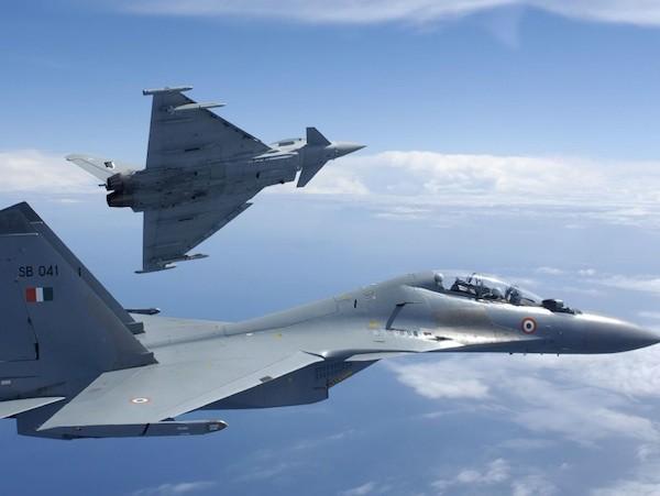 """Anh nhăm nhe """"giật"""" của Pháp hợp đồng bán máy bay trị giá 20 tỉ USD cho Ấn Độ ảnh 1"""
