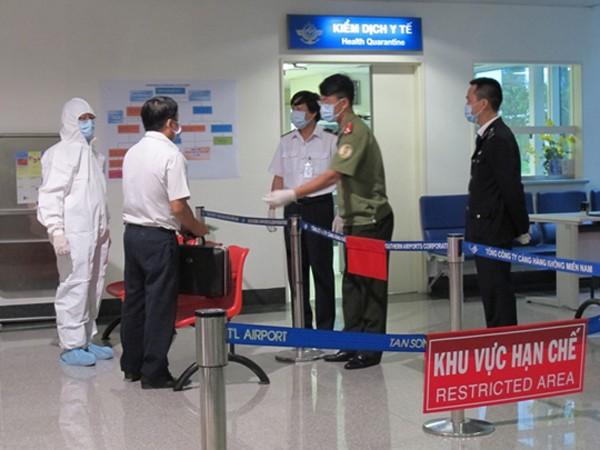 Bệnh viện Đà Nẵng vẫn thắt chặt vùng cách ly bệnh nhân nhiễm Ebola ảnh 1