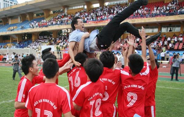THPT Trần Quốc Tuấn lần thứ 2 đăng quang giải bóng đá học sinh Hà Nội ảnh 6