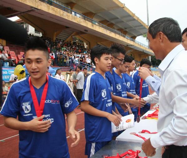 THPT Trần Quốc Tuấn lần thứ 2 đăng quang giải bóng đá học sinh Hà Nội ảnh 13