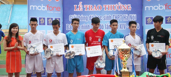 THPT Trần Quốc Tuấn lần thứ 2 đăng quang giải bóng đá học sinh Hà Nội ảnh 17