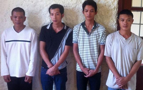 Các đối tượng có liên quan trong vụ trộm máy biến áp gây thiệt hại hơn 200 triệu đồng tại Công ty TNHH MTV SXVL Quảng Bình.