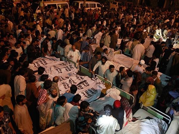 Đánh bom liều chết làm 45 người thiệt mạng ở biên giới Ấn Độ-Pakistan ảnh 1