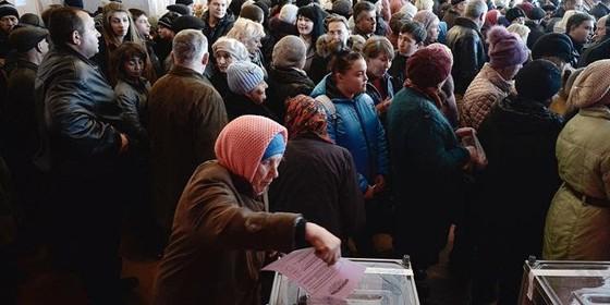 Cuộc bầu cử gây tranh cãi tại Donesk và Lugansk diễn ra ngày 2-11
