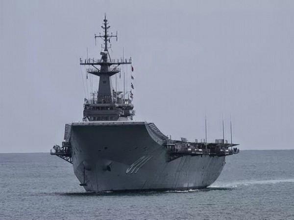 """Hàng không mẫu hạm """"HTMS Chakri Naruebet R-911"""" của Thái Lan"""
