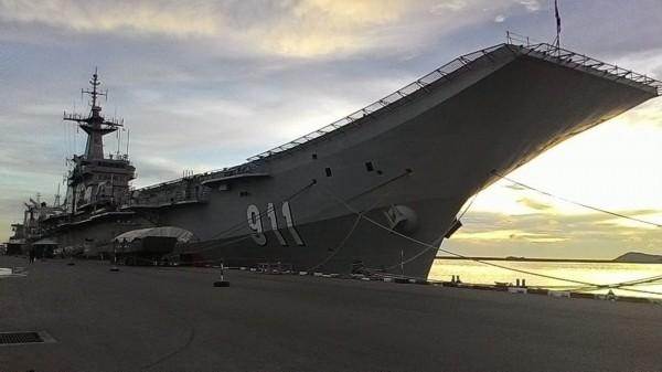 """Chiêm ngưỡng hàng không mẫu hạm """"nhỏ nhất thế giới"""" của Thái Lan"""