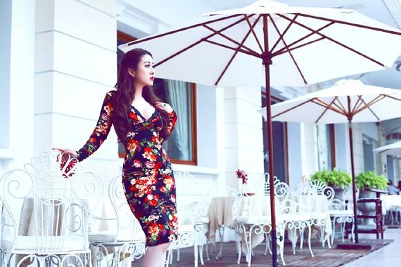 MC Kim Trang gợi cảm giữa mùa thu Sài Gòn ảnh 7
