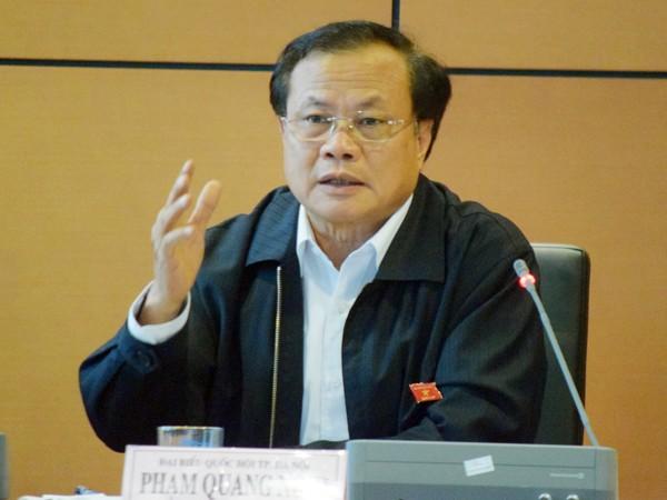 Bí thư Thành ủy, Trưởng đoàn ĐBQH TP Hà Nội Phạm Quang Nghị phát biểu tại phiên thảo luận chiều 5-11