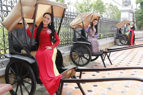 Theo chân thí sinh hoa hậu Việt Nam thăm nhà Công tử Bạc Liêu ảnh 10