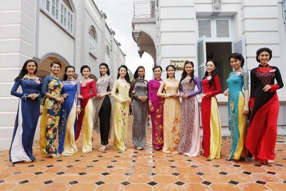 Theo chân thí sinh hoa hậu Việt Nam thăm nhà Công tử Bạc Liêu ảnh 8
