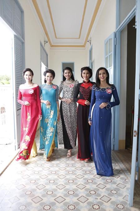 Theo chân thí sinh hoa hậu Việt Nam thăm nhà Công tử Bạc Liêu ảnh 6