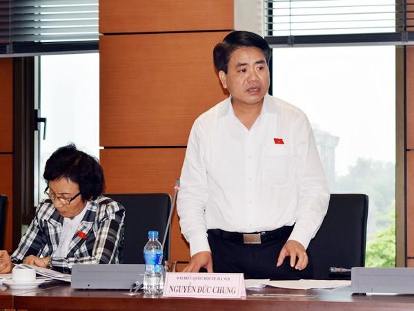 Thiếu tướng Nguyễn Đức Chung, Giám đốc CATP Hà Nội phát biểu tại phiên thảo luận tổ chiều 7-11