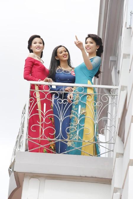 Theo chân thí sinh hoa hậu Việt Nam thăm nhà Công tử Bạc Liêu ảnh 7