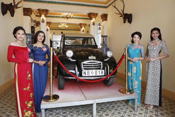 Theo chân thí sinh hoa hậu Việt Nam thăm nhà Công tử Bạc Liêu ảnh 11