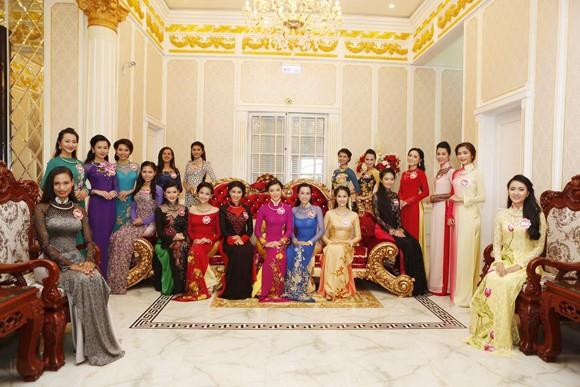 Theo chân thí sinh hoa hậu Việt Nam thăm nhà Công tử Bạc Liêu ảnh 3